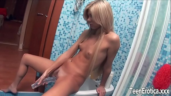 Hot blonde teen Ariel Cologne fucks herself wit...