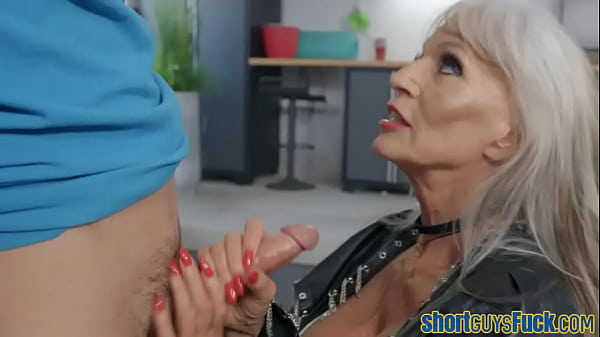 Hugetits mature biker nailed by lil guy after blowing cock