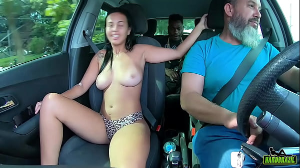 The brand new pregnant woman will face the black man in the middle of traffic (continues on Red) Elisa Santos - Higor Negrao - Binho Ted