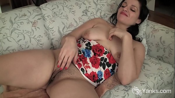 Yanks Hottie Lady Jane's DP Orgasm