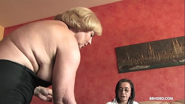 Lesbian German grannies fuck anal with strapon ...