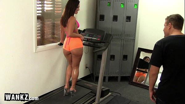 Big Booty Gym Babe Takes A Big Cock!