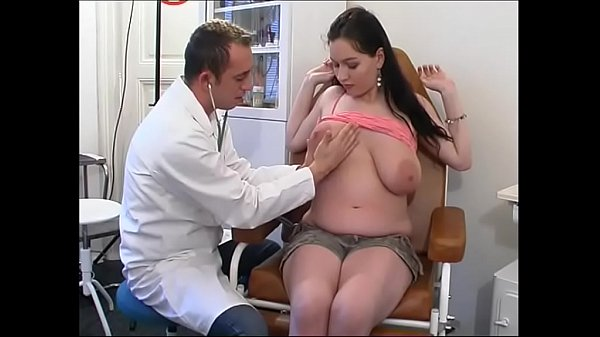 Perverse gynaecologist tastes the patient's pussy – Hardcore Sex