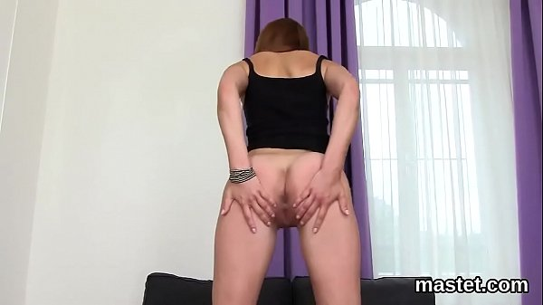 Wicked czech cutie gapes her pink snatch to the limit