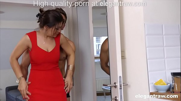 Cheating brunette MILF is fucked in the morning by her lover Thumb
