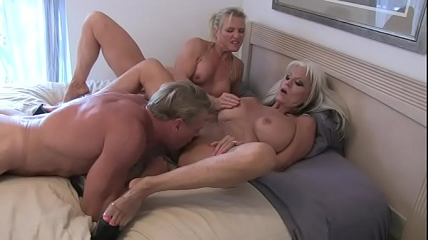 massive squirt cougar friends fucking