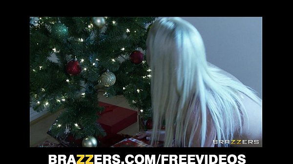Big-booty blonde wife Jessica Nyx gets fucked hard in the ass