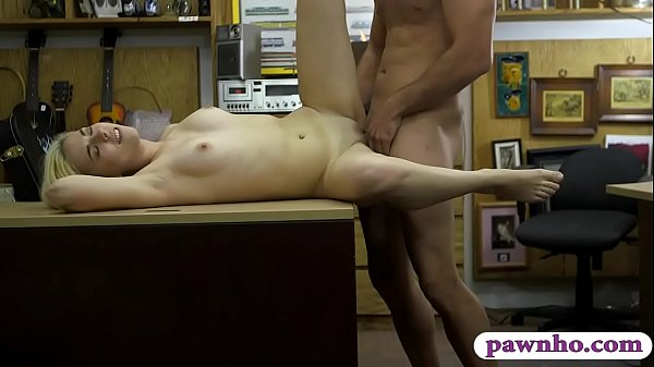 Short blond hair babe sucks off and fucked by pawn man Thumb
