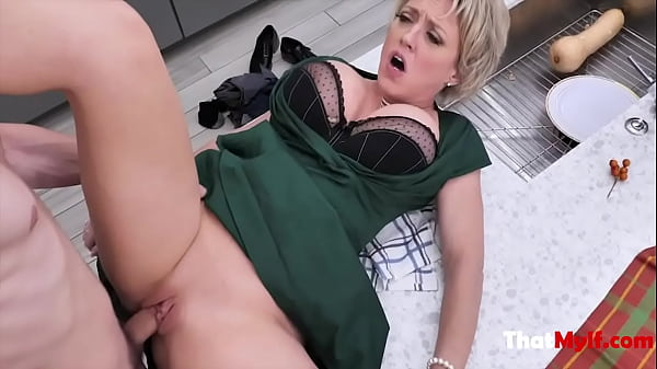 My Busty Mom Loves Getting Stuffed- Dee Williams