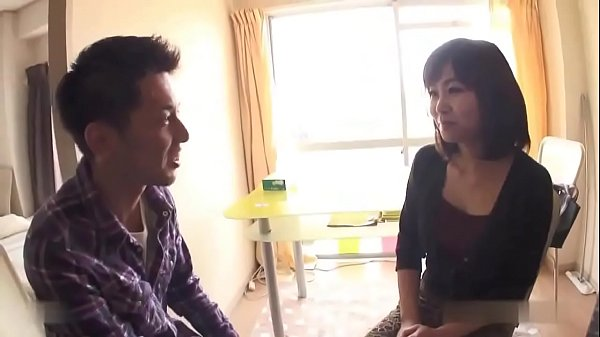 Chubby Japanese mature wife enjoys fucking by a...