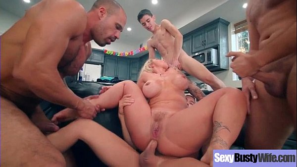 Hardcore Sex Tape With Round Big Juggs Mommy (Ryan Conner) video-24