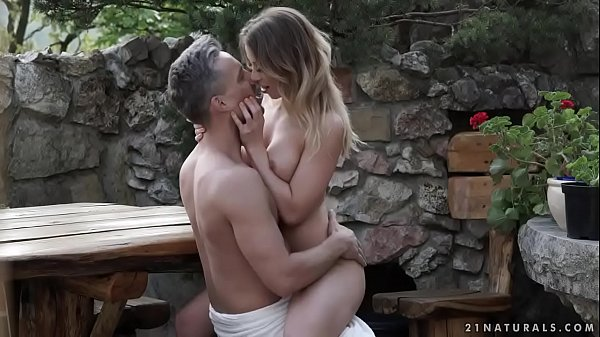 Busty babe Vera Wonder enjoys garden sex