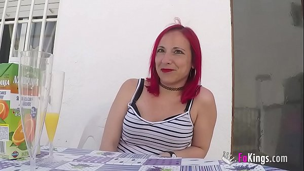 Redhead Tania wants TWO DICKS INSIDE HER PUSSY!!! She accepted the challenge Thumb