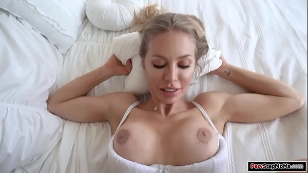 Hot blonde stepmom banged by her stepson Thumb