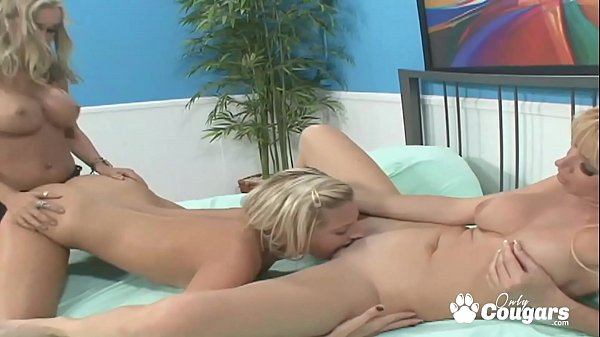 Sexy Girlfriends Have A Hot Lesbian Threesome