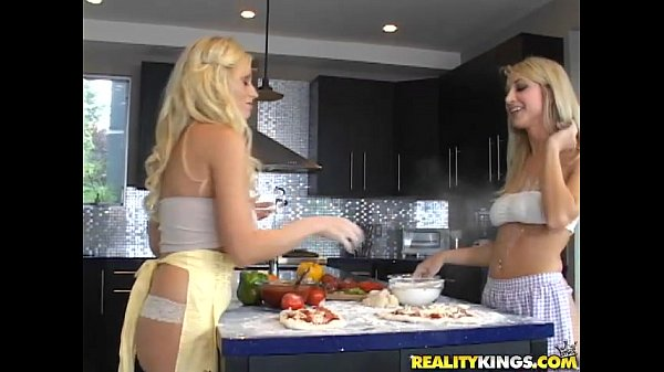 Sammie Rhodes & Angelina Ashe play with each ot...