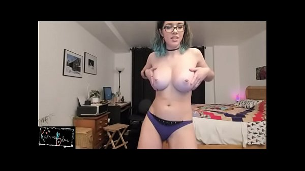 Nerd showing her perfect ass and tits on cam