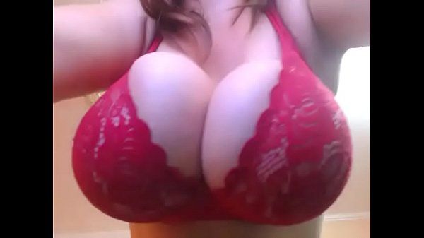 Hottest babe showing huge heavy boobs live cam