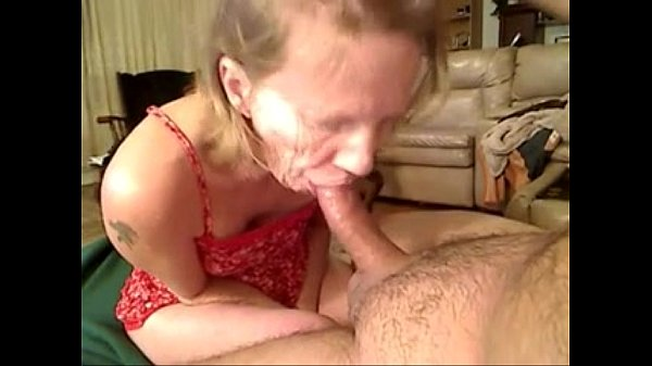 Grandma from EpikGranny.com gives amazing blowjob