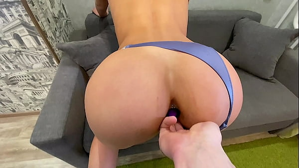 Butt plug and her boyfriend's cock bring her to orgasm Thumb