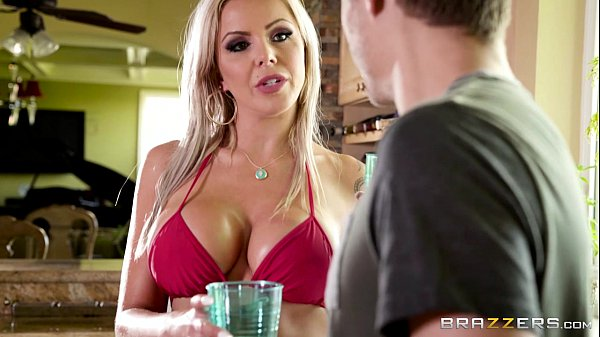 Brazzers - Nina Elle gets oiled