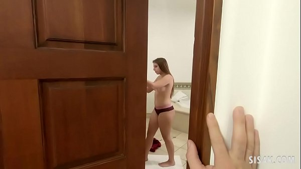 Step brother helps on her virgin sister Gia Dezra