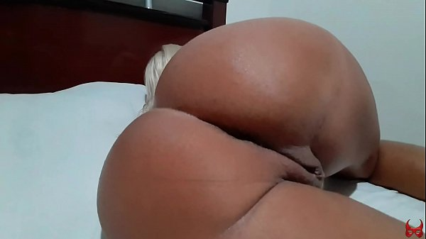 pulling the cover to see mom naked and fuck her
