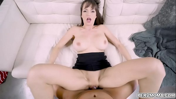 Pervmom Lexi comes by and gives stepson an incentive