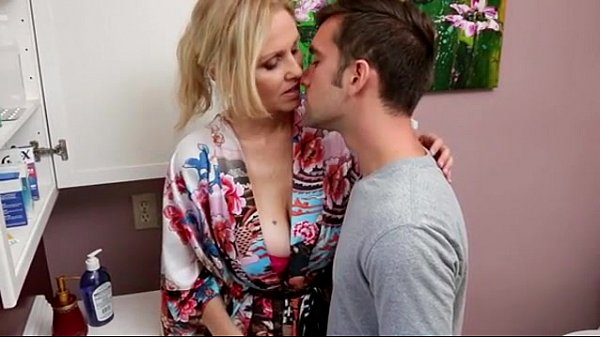 Julia ann - sweetsinner- my girlfriend's m.