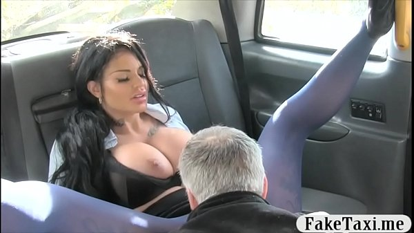 Busty tattooed woman smashed in the cab to off ...
