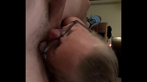 Blowjob from hotel maid