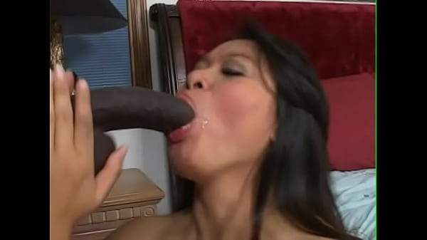 Horny Asian takes BBC deep down her throat