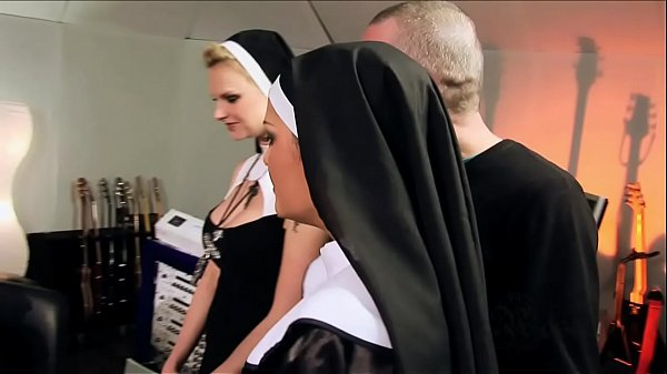 Perverted orgy with catholic nuns - Vatikan Har...