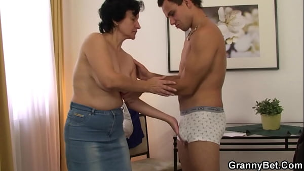 Guy brings old grandma home for sex