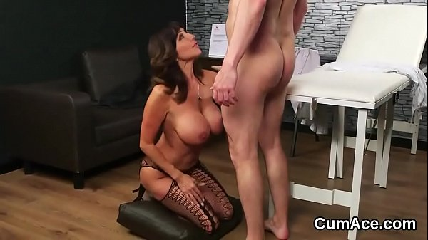 Peculiar sex kitten gets sperm load on her face gulping all the love juice