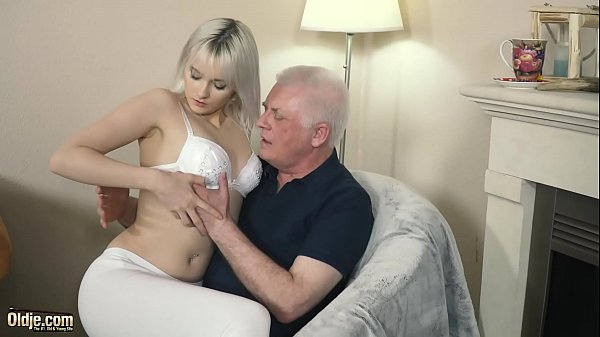 Young blonde hardcore blowjob and deep tight pu...