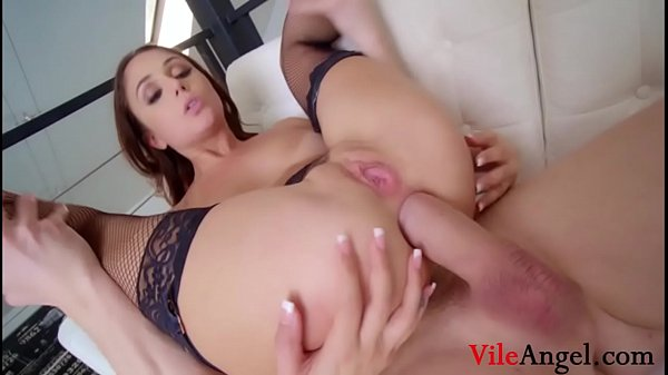 Brunette Hottie Ariana Marie's Does Her First DP