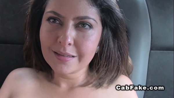 Shaved pussy hottie bangs in fake cab pov Thumb