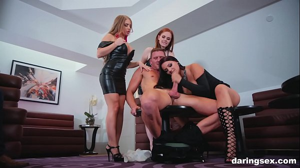 The best babes join and enjoy group blowjob Thumb