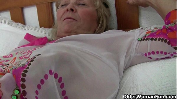 British granny Isabel has big tits and a fuckable fanny Thumb