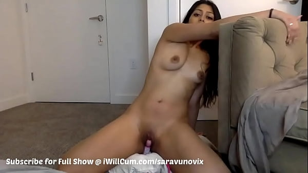 Thick Desi Aunty Cumming Squirting So Good On Vibrator