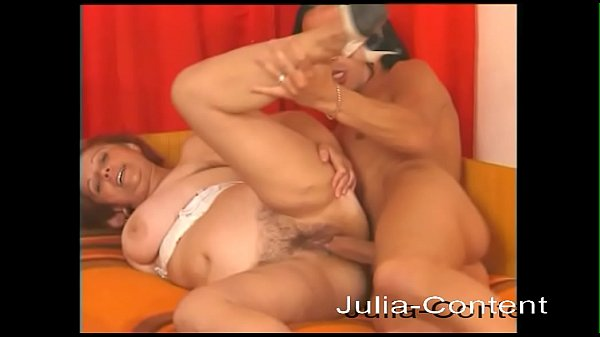 Housewife is allowed to fuck hot Latino