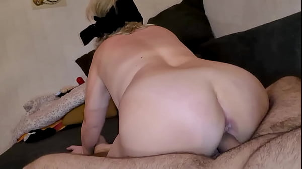 50 YEARS OLD MARRIED MOM COUGAR WITH A YOUNG COCK, DEEPTHROAT, GAGGING, SLOPPY BLOWJOB, AMATEUR ANAL SEX, SQUIRT ENDING WITH CUM IN HER MOUTH PART4