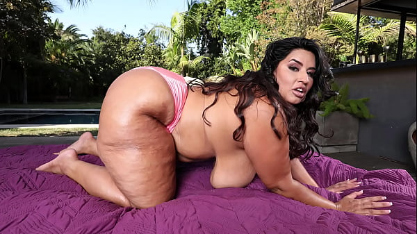 Thicc Ass BBW With Big Tits (Sofia Rose) Takings BBC From Charlie Mac