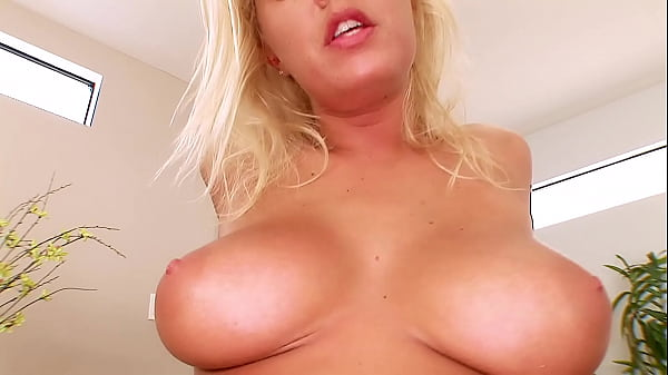 Blond 3-Hole Ass to Mouth Slut Deepthroating & ...
