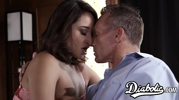 Dick riding Latina Isabella Nice making her stepdaddy proud Thumb