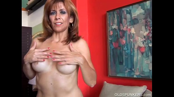 Super sexy old spunker loves to fuck her soakin...