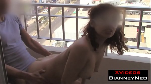 Another day of quarantine, my stepsister dances horny on the balcony, time to fuck her - Neo Brincabragas