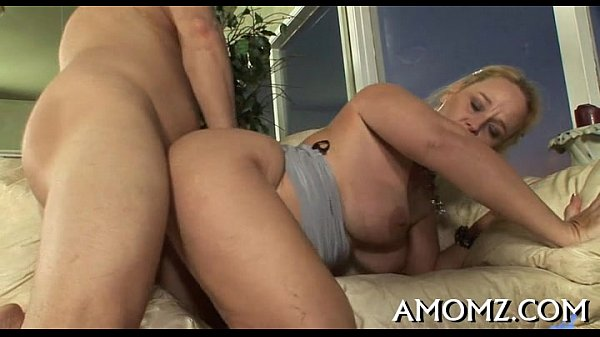Licking and fucking sexy mom Thumb