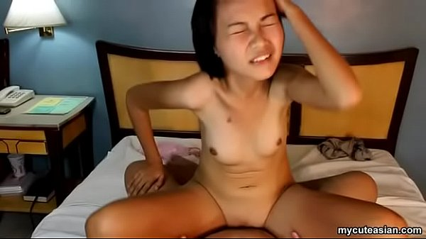 Reverse riding that dick as her small boobies b...